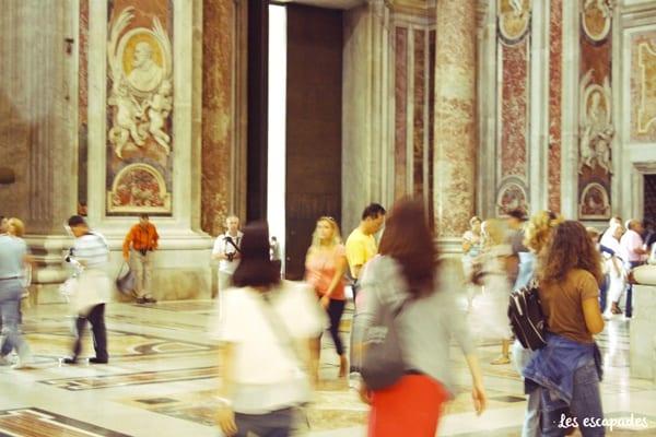 rome-basilic-saint-pierre-marche-vintage-les-escapades