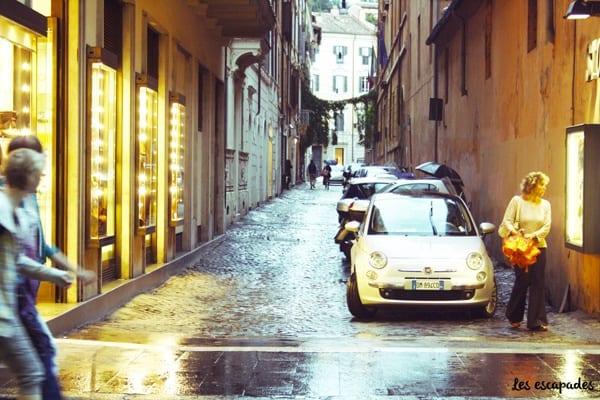 rome-ruelle-fiat-pluie-vintage-les-escapades