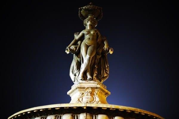 Statue place de la Bourse