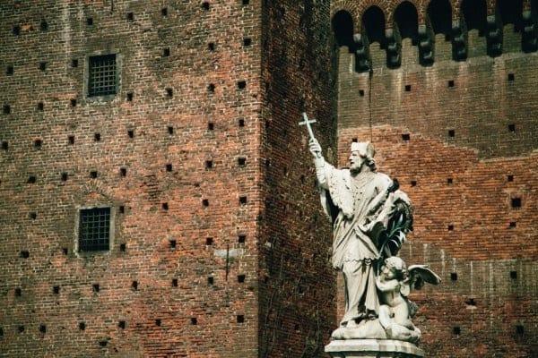 Castello Sforzesco statue
