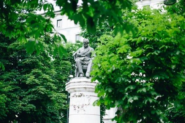statue via brera