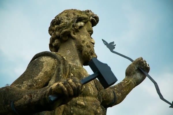 isola bella statue