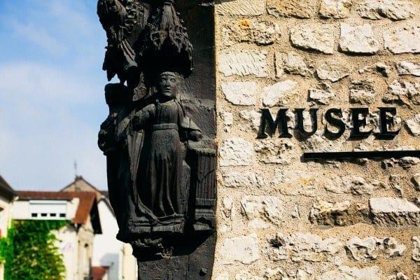 musée AG poulain ecriteau