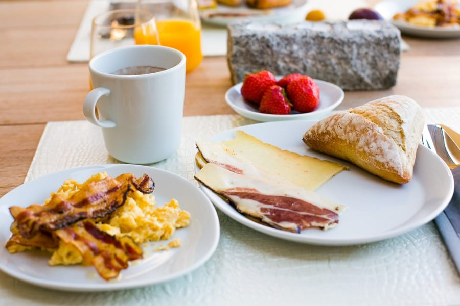 Produits Corse, fruits frais et confiture maison chaque matin !