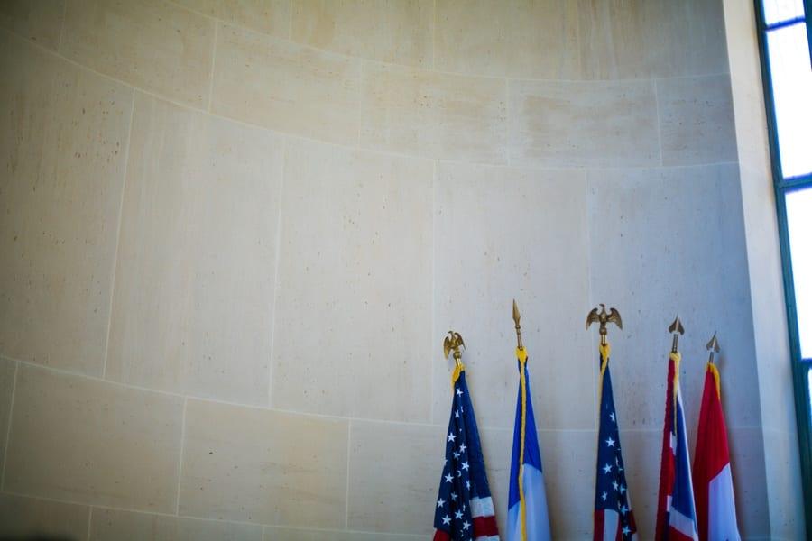 drapeaux cimetiere americain