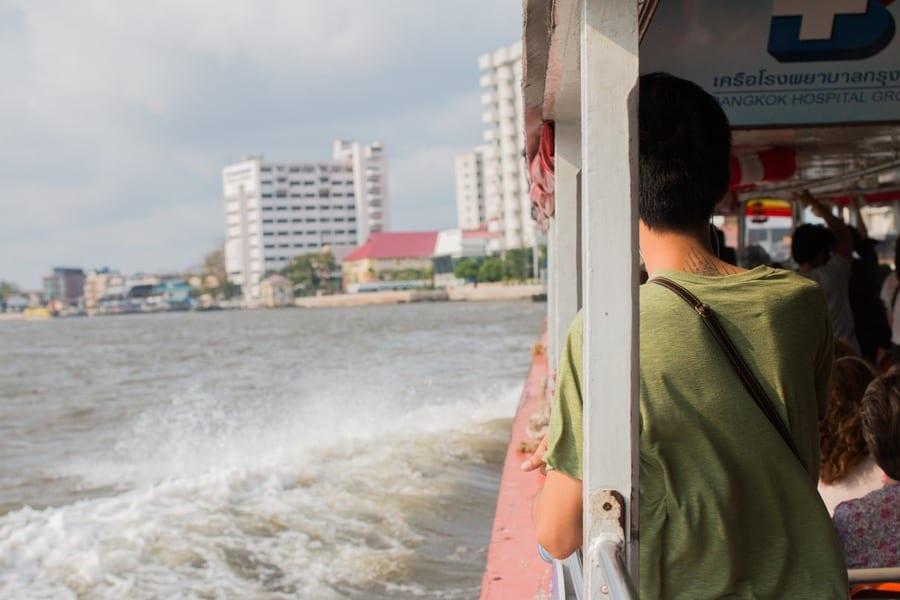En bateau sur le Chao Phraya à Bangkok