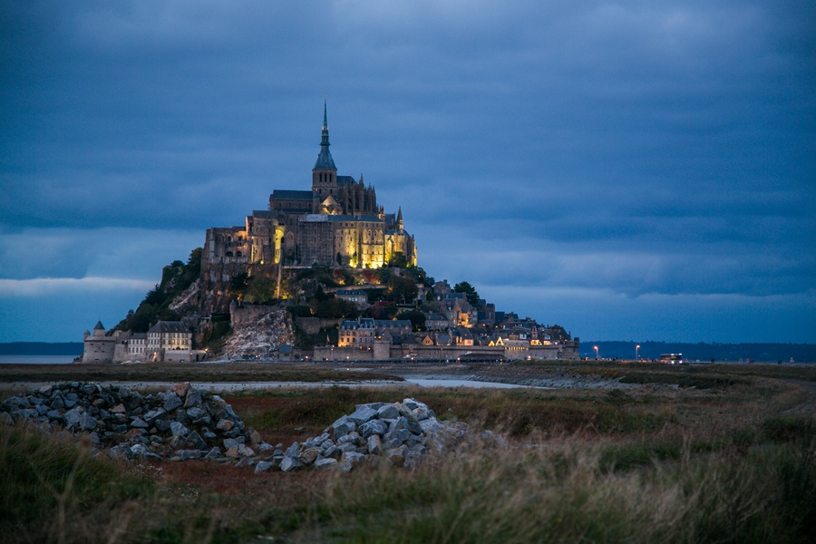 relais saint michel chambre avec vue sur mont saint michel. Black Bedroom Furniture Sets. Home Design Ideas