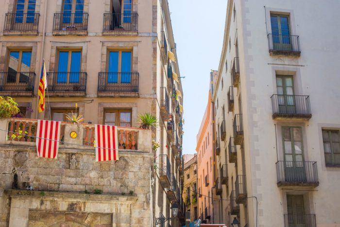 barri gothic drapeau catalan