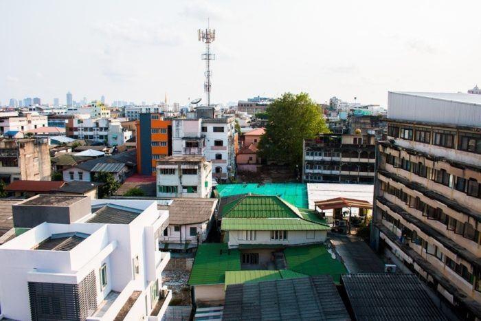 La vue depuis un toit de Bangkok