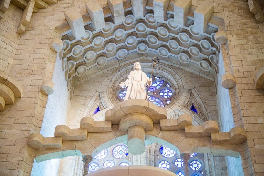 Une statue du monument