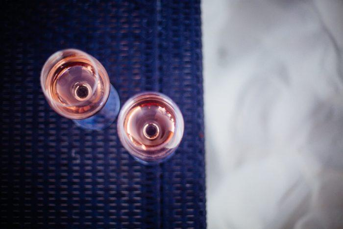 Deux verres de rosé