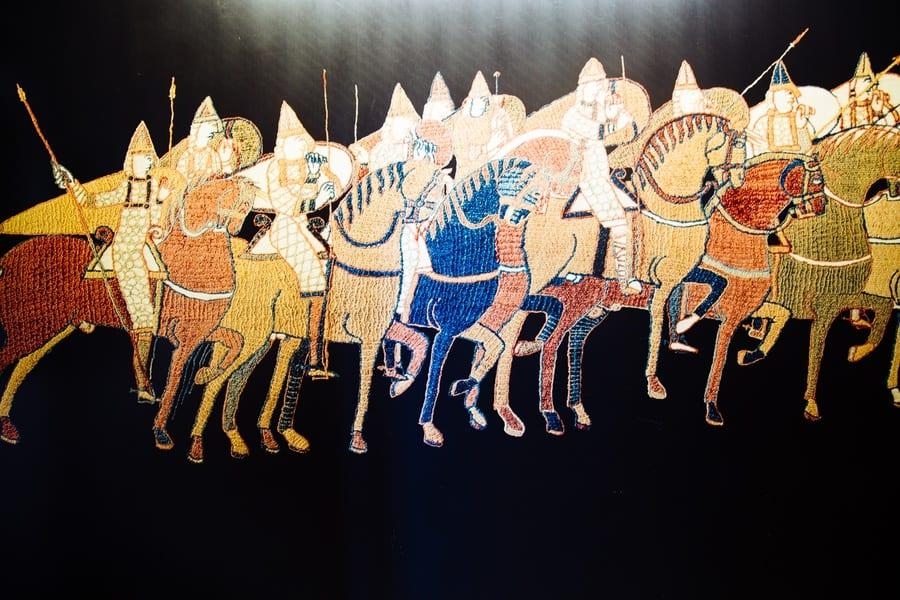 Tapisserie de Bayeux chevaux