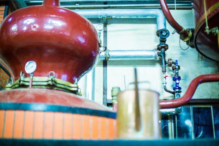 alambic pour distiller le jus de pommes
