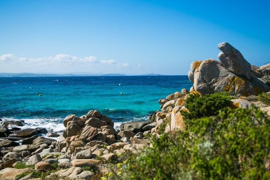 Les rochers sur l'île Lavezzi