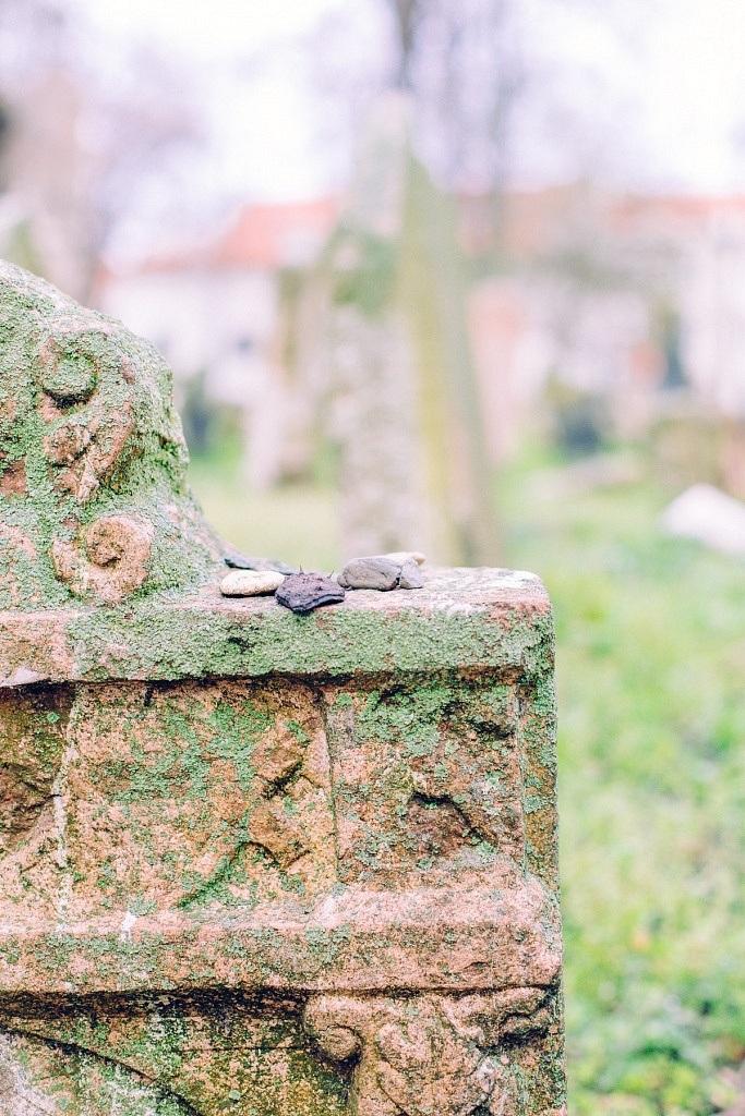Tombe cimetière juif de Prague