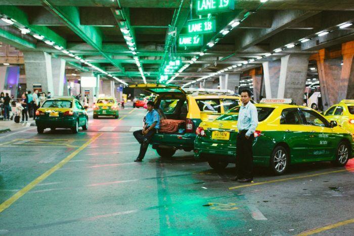 Les taxis à l'aéroport de Bangkok