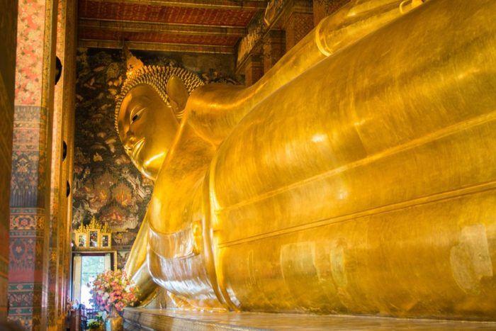 Bouddha d'or, temple Wat Pho de Bangkok, Thaïlande