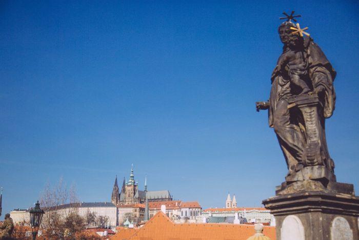 Statue Pont Charles Prague