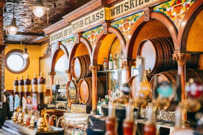 Belfast Irlande du Nord Crown Liquor Saloon