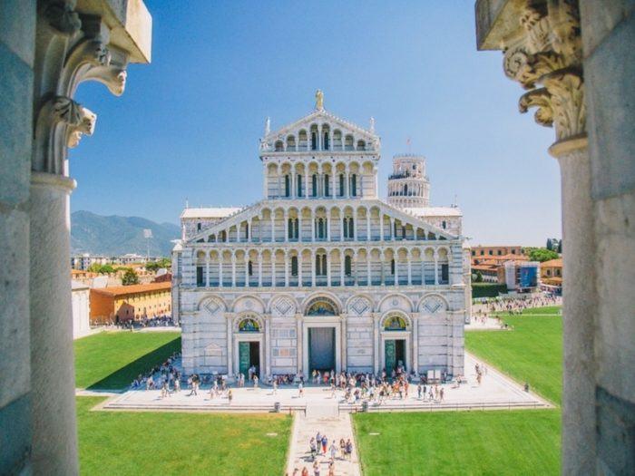 Vue du Baptistère de Pise sur le Duomo