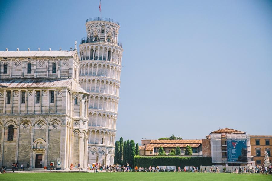 Pourquoi la Tour de Pise est-elle penchée ?