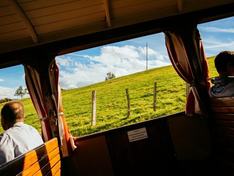 A l'intérieur du train de la Rhune au Pays Basque