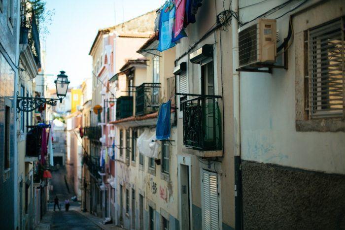 Petite ruelle à Lisbonne