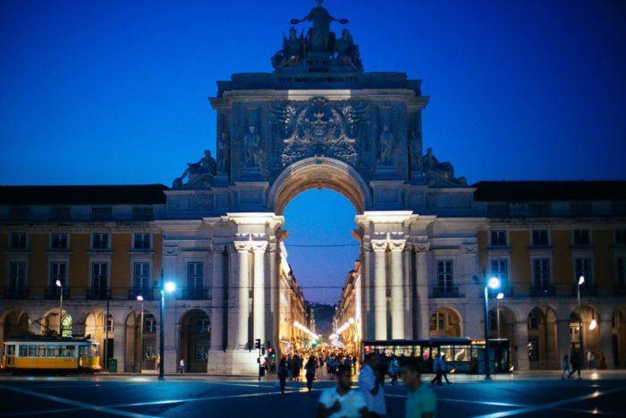 Visiter Lisbonne de nuit