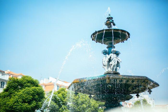 Fontaine dans le quartier du Rossio à Lisbonne