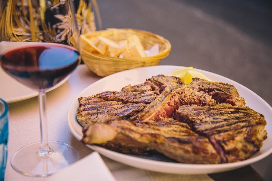 Manger une bistecca à Florence