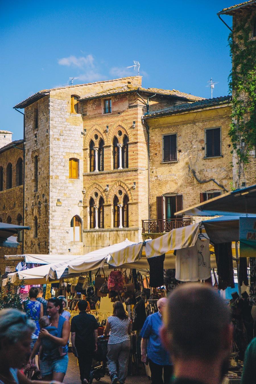 Le marché de San Gimignano