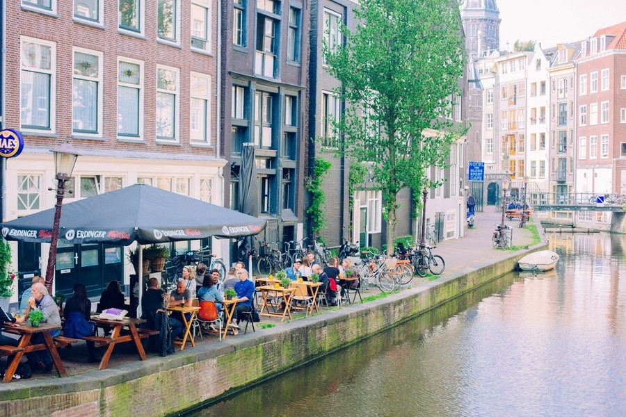 Terrasse canaux amsterdam