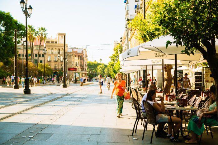 Quartier animé de Séville