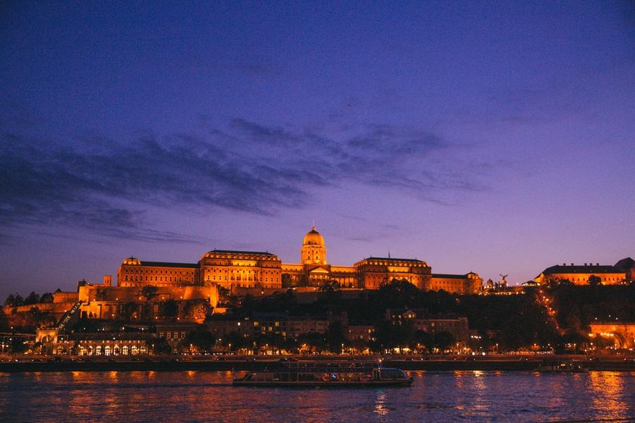 Croisière nocturne sur le Danube