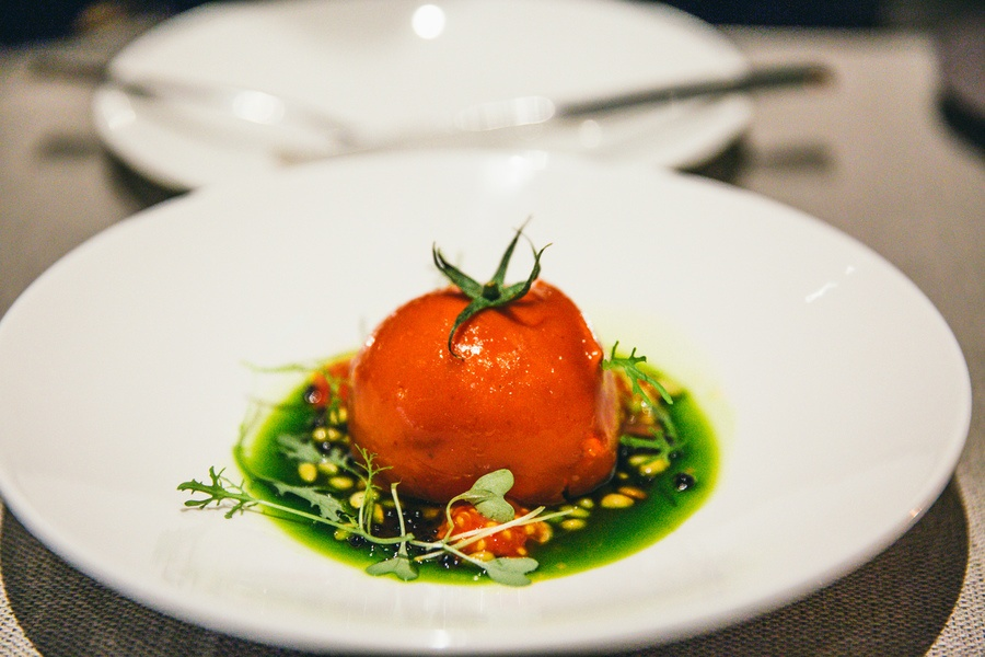 Restaurant Caviar And Bull tomate