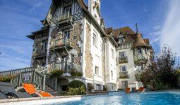 Extérieur hôtel spa villa Augeval à Deauville