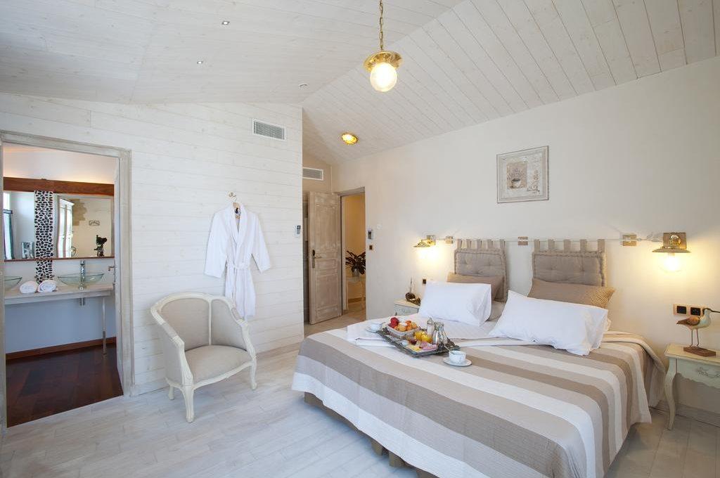 Grande chambre d'hôtes romantique à l'île de ré